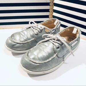 Gymboree Girls Silver Boat Shoes Slip-On Sz 2